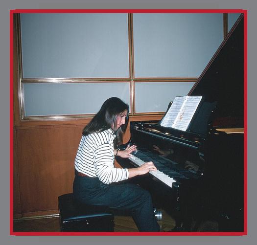 München Radio Station, 1992